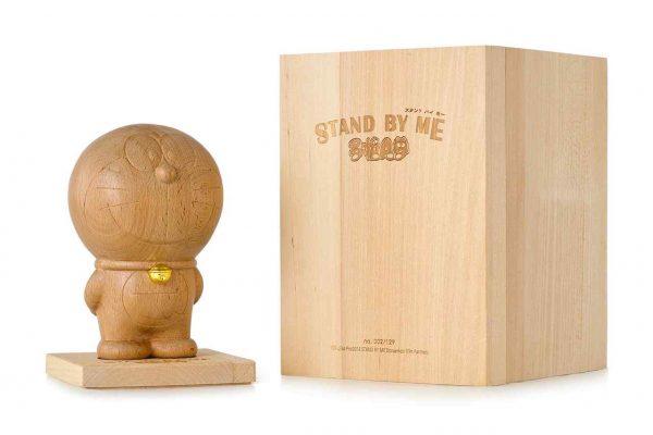 Lot-4_Doraemon-STAND-BY-ME-Wood-Sculpture