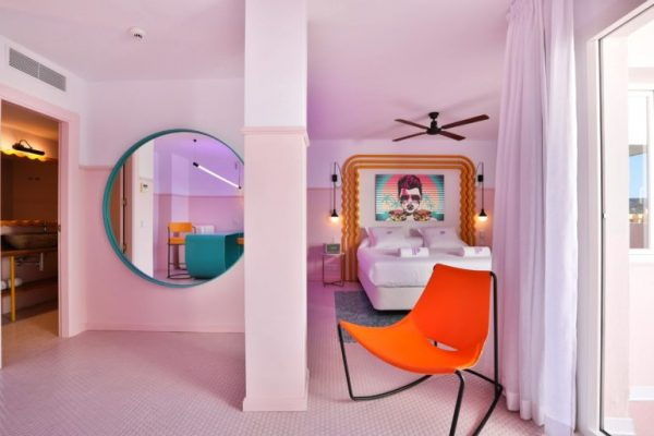 paradiso-ibiza-art-hotel-is-reminiscent-of-miami-art-deco-architecture-05-770x513