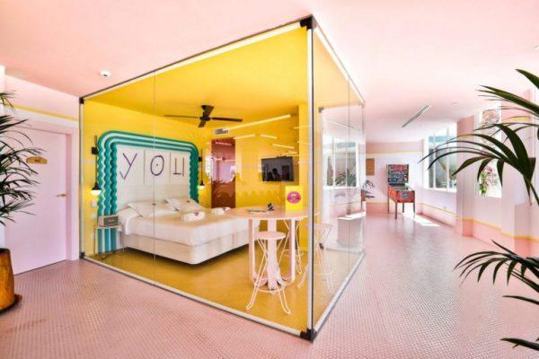 paradiso-ibiza-art-hotel-is-reminiscent-of-miami-art-deco-architecture-07-770x513