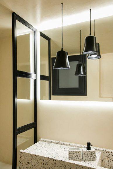 014-1977-apartment-athens-evelyn-chatzigoula-1050x1575