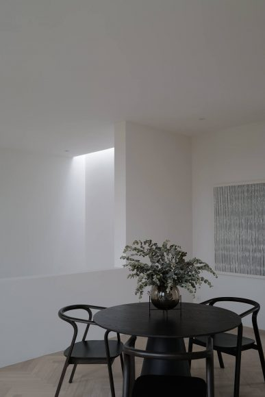 013-pillar-house-anonym