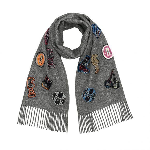 38 羊绒围巾,饰珠绣贴饰