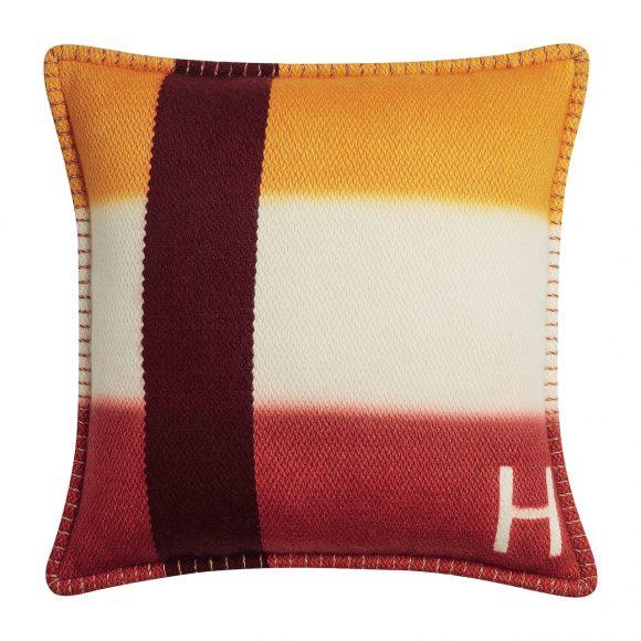 86 H Dye羊绒靠枕